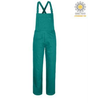 Latzhose, Klappverschluss mit abgedeckten Knoepfen, mehrere Taschen, Farbe gruen.
