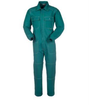 Voller Arbeitsanzug mit abgedecktem Reissverschluss und Taschen, kontrastfarbenen Naehten, elastischen Aermeln, 100% Baumwolle. Farbe: gruen