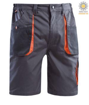 Bermudashorts mit mehreren Taschen und orangefarbenen Taschen. Farbe grau