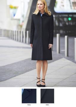 Eleganter Mantel mit sieben Knoepfen und zwei Taschen, 60% Wolle, 20% Caschemere, 20% Polyamid.
