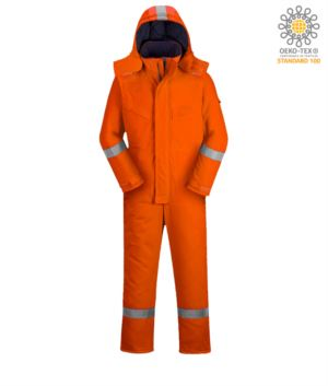 Gepolsterter flammhemmender und antistatischer Winter-Jumpsuit, mehrere Taschen, Reflexstreifen an der Unterseite des Beines, Ärmeln und Kapuze, abnehmbare Kapuze, Knieschutztaschen, zertifiziert nach EN 11611, EN 342:2004, EN 1149-5, EN 11612:2009, Farbe orange