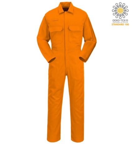 Feuerfester Anzug, Radioring, Knopfleiste, Brusttaschen, Masstasche, verstellbare Manschetten, orange Farbe. CE zertifiziert, NFPA 2112, EN 11611, EN 11612:2009, ASTM F1959-F1959M-12