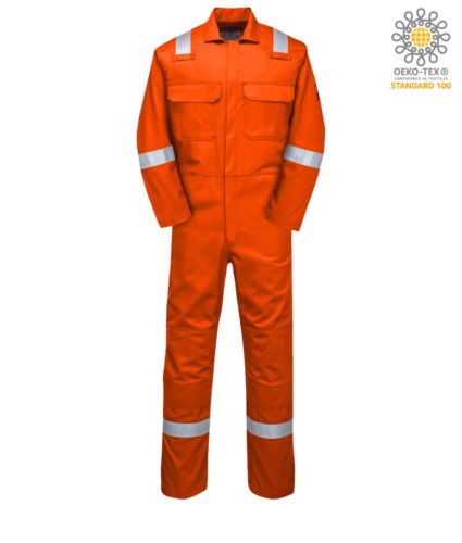 Feuerfester Overall, Funkring, Knopfverschluss, Brusttaschen, Bandmasstasche, orange Farbe. CE zertifiziert, NFPA 2112, EN 11611, EN 11612:2009, ASTM F1959-F1959M-12