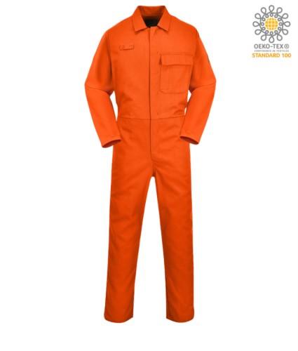 Feuerfester Overall, Knopfverschluss, elastische Taille, seitlicher Zugang, Maßtasche, oranger Funkring. CE zertifiziert, EN11611, EN11612:2009