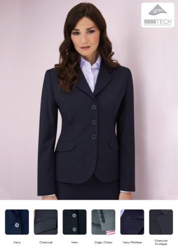 Elegante Uniformjacke aus Polyester und Wolle mit schmutzabweisender Gewebebehandlung.