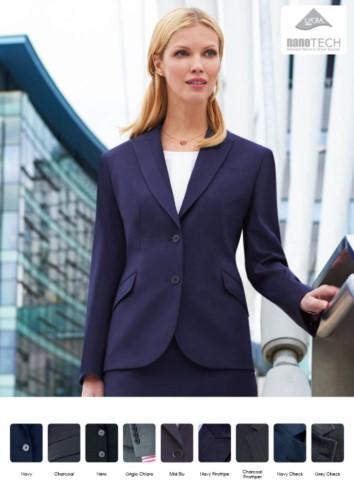 Eleganten Uniformen fuer den professionellen Gebrauch (Promotoren, Empfangspersonal, Hoteliers).