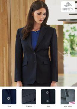 Eleganter Berufsbekleidung und Uniformen (Promotoren, Rezeptionisten, Hoteliers).