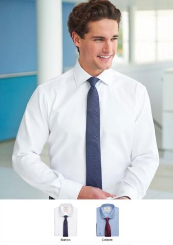 Elegantes Hemd mit zweifarbigen Streifen, Polyester und Baumwollstoff, mit leichten Buegeleigenschaften.