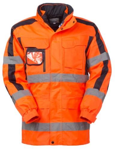 Dreifach-Jacke: Wasserdichte, gepolsterte Aussenjacke mit abnehmbaren Aermeln und der Moeglichkeit der separaten Nutzung. Doppelband an Taille und Aermeln, kontrastierende Details an den Aermeln. Zertifiziert nach EN 343 und EN 20471, Farbe orange.