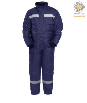 Kuehlhausoverall, maximaler Kaelteschutz, uebergrosse Gesaesstaschen, Brusttasche, Knieverstaerkung, Farbe blau. CE-zertifiziert, EN 342:2004
