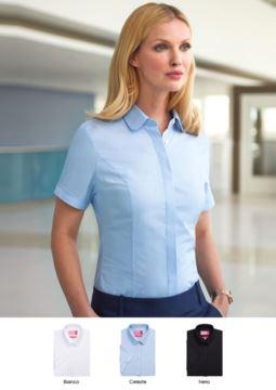 Elegantes Uniformhemd in den Farben Weiss, Hellblau, Schwarz, Polyester, Baumwolle und Elasthan. Fordern Sie ein kostenloses Angebot an.