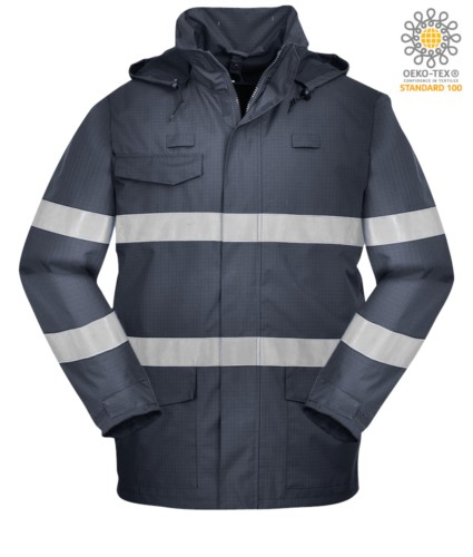 Multipro wasserdichte Jacke, amerikanischer Kragen mit verdeckter Kapuze, drei Taschen, verdeckter Reißverschluss, doppelt reflektierendes Band an Taille und Ärmeln, zertifiziert nach EN 343:2008, EN 1149-5, EN 13034, UNI EN ISO 14116:2008, Farbe blau