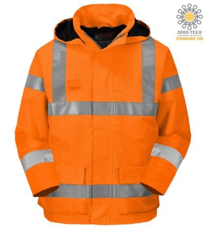 Feuerfeste Jacke, gut sichtbar antistatisch, Taschen, Doppelband an Taille und Aermeln, verdeckte Kapuze, Innenpolsterung, zertifiziert nach EN 343:2008, UNI EN 20471:2013, EN 1149-5, EN 13034, UNI EN ISO 14116:2008, Farbe orange