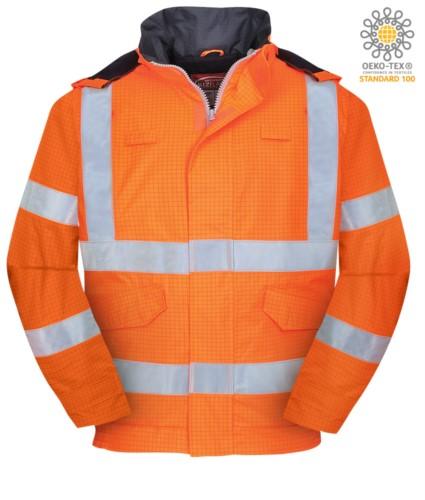 Bomber wasserdicht antistatisch, feuerfest und säurefest, verdeckte Kapuze, doppelt reflektierendes Band an Taille und Aermeln, zertifiziert nach EN 343:2008, UNI EN 20741:2013, EN 1149-5, EN 13034, UNI EN ISO 14116:2008, Farbe orange