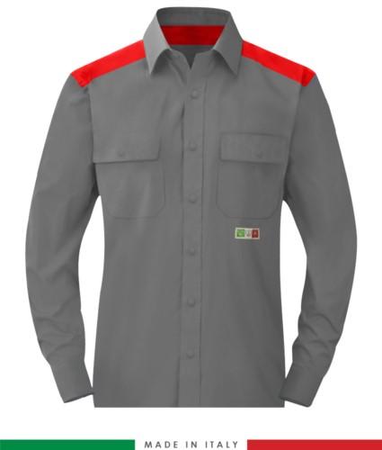 Zweifarbiges Mehrzweckhemd, Druckknopfverschluss, zwei Brusttaschen, farbige Einsätze an Schultern und Innenkragen, zertifiziert nach EN 1149-5, EN 13034, UNI EN ISO 14116:2008, Farbe grau/rot