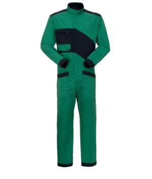 Zweifarbige Overalls, Reißverschluss und koreanischer Kragen, Brusttasche und Beintaschen. Farbe gruen und svhwarz